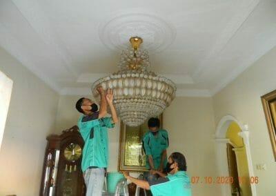 cuci-lampu-kristal-di-duren-sawit-01