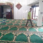 cuci karpet masjid jami al huda
