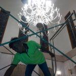 cuci lampu kristal ibu dewi oleh Jasa Cuci Lampu Kristal gbr-08