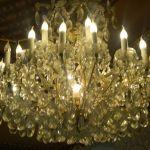 cuci lampu kristal ibu toti oleh Jasa Cuci Lampu Kristal gbr-01