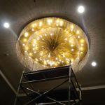 cuci lampu kristal birawa ballroom oleh Jasa Cuci Lampu Kristal gbr-02