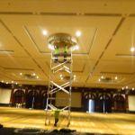 cuci lampu kristal birawa ballroom oleh Jasa Cuci Lampu Kristal gbr-06