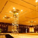 cuci lampu kristal birawa ballroom oleh Jasa Cuci Lampu Kristal gbr-10