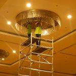 cuci lampu kristal birawa ballroom oleh Jasa Cuci Lampu Kristal gbr-11