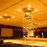 cuci lampu kristal birawa ballroom oleh Jasa Cuci Lampu Kristal gbr-16