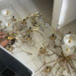 cuci lampu kristal gedung antam h3